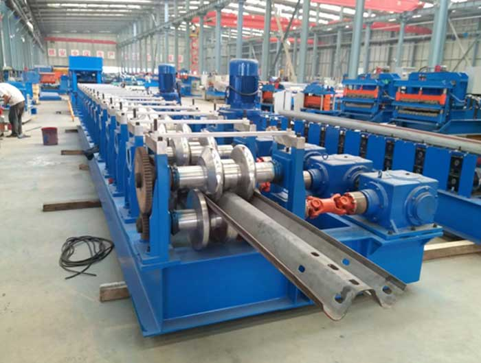 3 Wave Highway Fast Guardrail Forming Machine in China