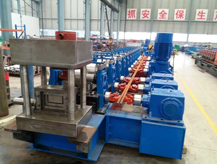Gear Box Drive Two Wave Guardrail Roll Forming Machine