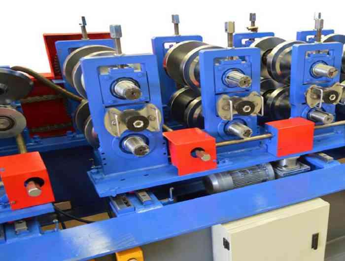 Hydraulic Cutting Steel Z Purlin Forming Machine